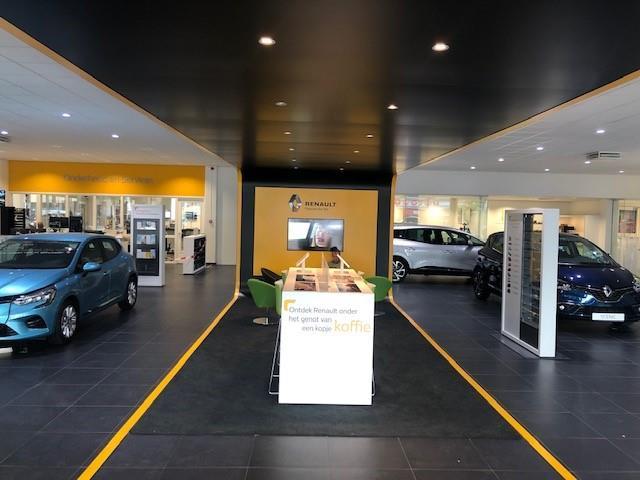 Renault Clio 1.0 TCe Intens / Nu nieuw te bestellen incl. €1200,- korting ! / Climate Control / Cruise control / Handsfree card / Parkeersen 1